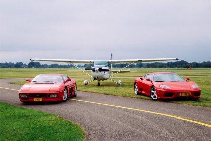 Combi Cessna vlucht en Ferrari rijden