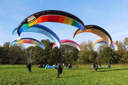 Paragliding Double Action