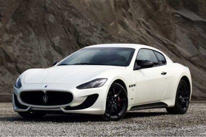 Rijd zelf in een Maserati GranTurismo