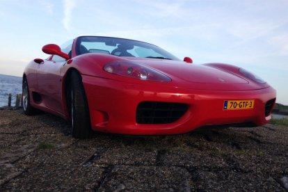 Rijden in een Ferrari 360 Spider