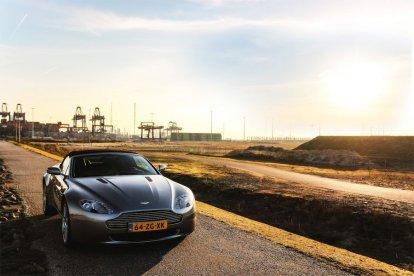 Zelf rijden in een Aston Martin