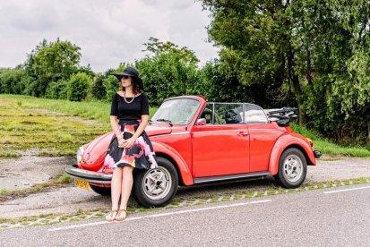 Toeren in een VW Kever cabrio