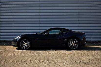 Rijd zelf in een Ferrari California