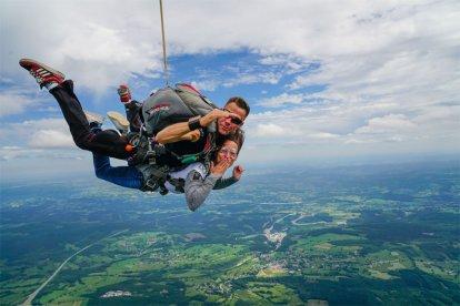 Tandem-parachute-sprong!
