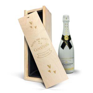 Hét perfecte Cadeau -  Champagne in gegraveerde kist – Moët & Chandon Ice Imperial (750ml)