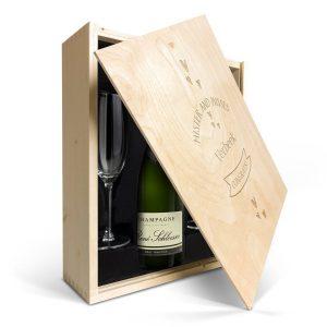 Hét perfecte Cadeau -  Champagnepakket met glazen – René Schloesser (750ml) – Gegraveerde deksel