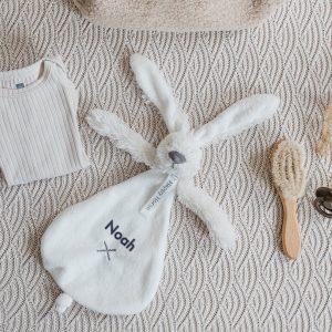 Hét perfecte Cadeau -  Happy Horse Konijn knuffeldoekje met naam – ivoor