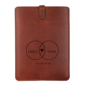 Hét perfecte Cadeau -  Leren iPad hoes met naam – iPad Mini 2 (Bruin)